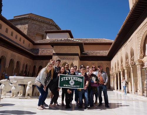 students in front of Alhambra