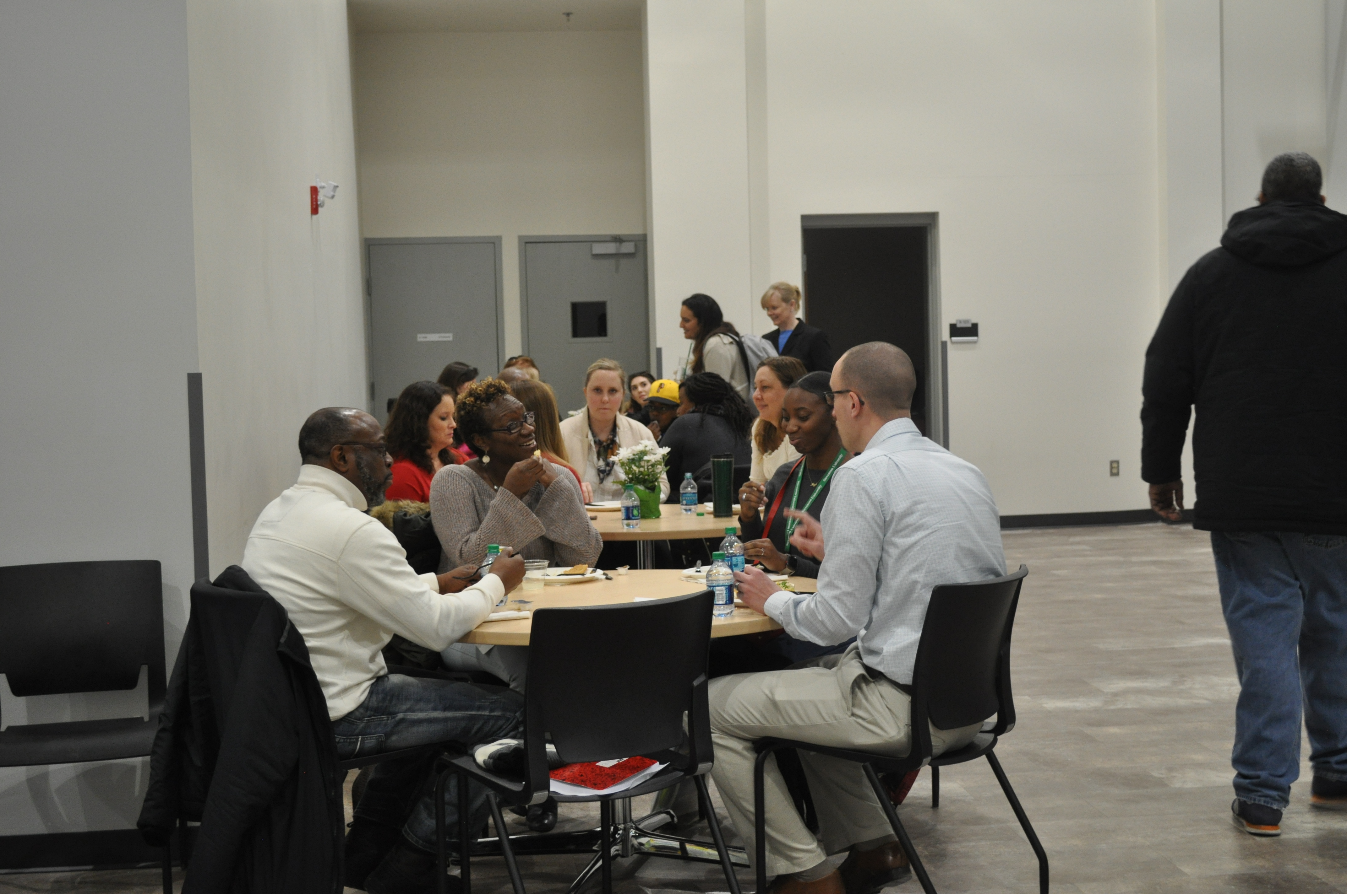 Chemistry faculty mingle with prospective students during lunch