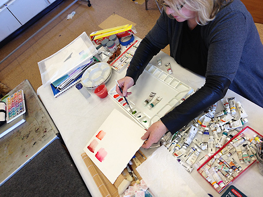 Sue Johnson demonstrates watercolor techniques